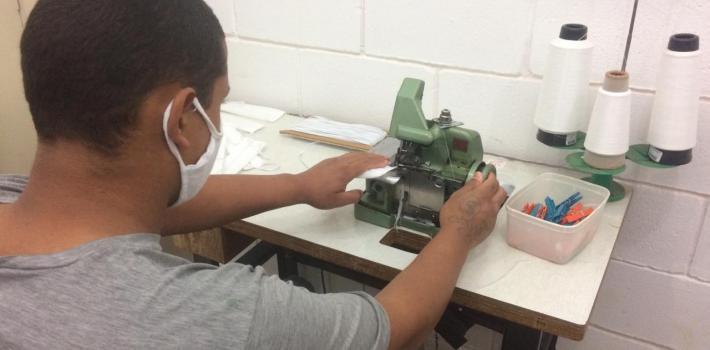 """Projeto """"Adolescentes pela Vida"""" já distribuiu quase 12 mil máscaras em Sertãozinho"""