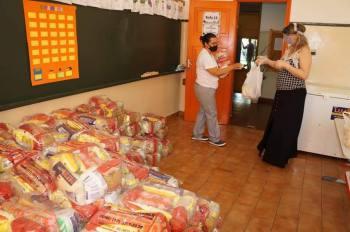 Encerra nesta semana a entrega dos kits alimentícios para alunos da rede municipal