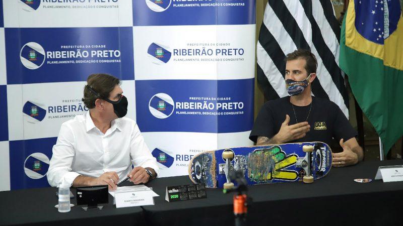 Reunião com o skatista Bob Burnquist acerta detalhes técnicos de obras da futura pista de skate profissional de Ribeirão Preto