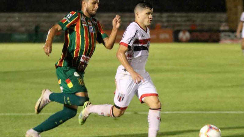 O time comandado por Moacir Júnior venceu o Sampaio Corrêa de virada com gols de Michel Douglas e Ronald.