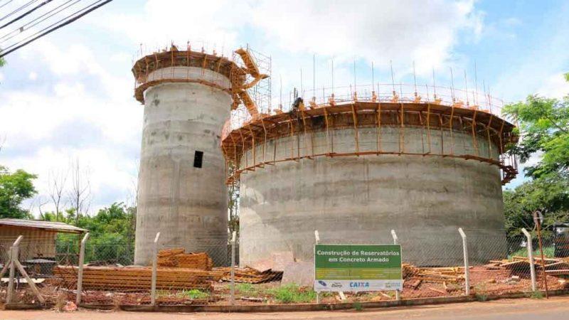 Estão em construção cinco reservatórios, dois no jardim Heitor Rigon, dois na Ribeirânia e um no parque São Sebastião