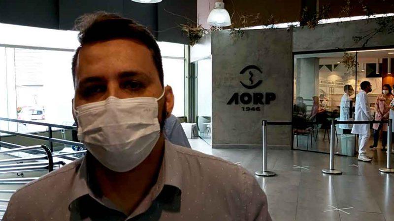 Os autônomos da saúde que receberam a primeira dose da Coronvac já estão recebendo a segunda dose na sede da AORP. Confira todos os detalhes na entrevista com Edson Martinelli e não deixe de se vacinar!