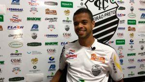 O Comercial FC apresentou Lucas Cunha, um jovem atacante externo com passagens pela Ásia e Europa.