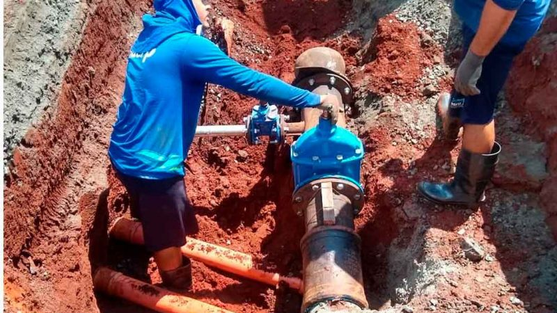 O Daerp está realizando um trabalho de implantação de 600 metros de rede de água em Bonfim Paulista para acabar com um problema de vazamentos e ligações inadequadas na rua Arlindo Teixeira. Estão sendo implantadas duas redes. A obra deverá estar concluída até o final desta semana