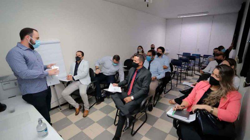 O prefeito de Pontal, José Carlos Neves, foi recebido pela direção da Fundação Santa Lydia, para conhecer a estrutura da instituição, que administra três UPAS – Unidades de Pronto Atendimento, uma UBS - Unidade Básica de Saúde e dois hospitais de Ribeirão Preto.