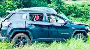 Um terrível acidente na rodovia Joaquim Ferreira (SP 333), prolongamento da rodovia Abraão Assed, envolvendo um Jeep que era dirigido por Maurício Romano Machado, que transportava duas filhas no banco de trás, e um caminhão que seguia no sentido oposto. Lamentavelmente, Maurício Romano e sua filha Laura de apenas 04 anos não resistiram aos ferimentos.