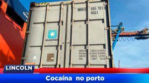 Mais uma tentativa frustrada de envio de cocaína à Europa. Em ação conjunta com a Receita Federal de Santos, foram presos 07 indivíduos, dentre eles dois caminhoneiros, no interior de um Terminal no Porto de Santos, logo após terem colocado 32 malas contendo cocaína no interior de um container que seguiria para Antuérpia.