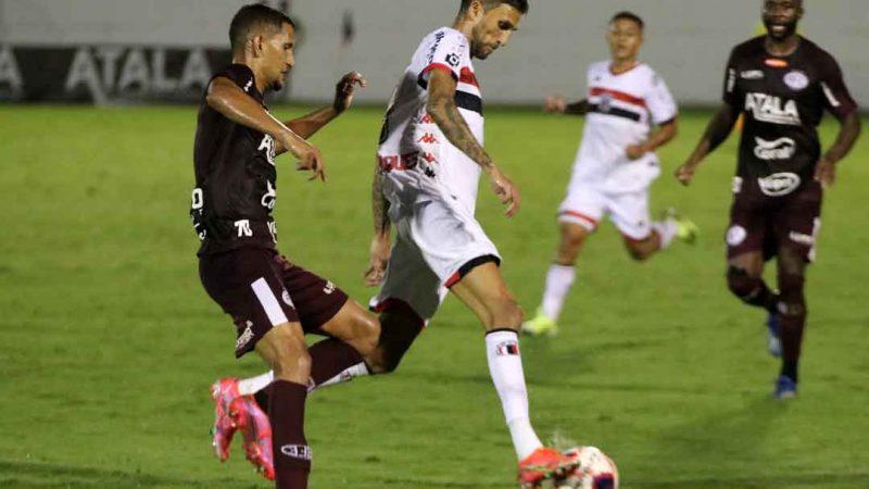 O Botafogo foi derrotado por 5x0 pela Ferroviária em Araraquara! Sinal de alerta ligado em Santa Cruz. O jogo foi um fiasco para o time de Ribeirão Preto. O primeiro tempo terminou com os donos da casa por 3x0, os 3 gols do centroavante Bruno Mezenga. No segundo tempo não mudou muito, Igor Meritão e Rogério (O Neymar do nordeste), também marcaram e deram números finais ao placar.