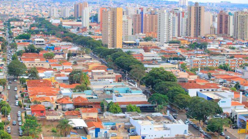 Por determinação do Tribunal de Justiça do Estado de São Paulo, ficam suspensos a partir desta quarta-feira, 10, os dispositivos do Decreto Municipal nº 37/2021 que autorizavam o funcionamento de salões de beleza e academias esportivas durante a Fase Vermelha do Plano São Paulo.