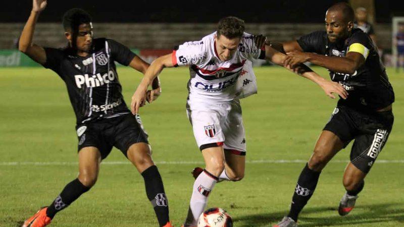O Botafogo voltou a perder no estádio Santa Cruz. Coincidentemente jogou duas das quatro rodadas em casa e perdeu ambas para os times de Campinas e pelo mesmo placar 0x1. Desta vez foi a vez da Ponte Preta fazer festa no vestiário de visitantes do Santão.