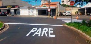 Mais um bairro da região Leste recebeu o serviço de revitalização da sinalização de trânsito promovido pela Transerp. A empresa nesta semana, a renovação da pintura de solo em algumas ruas do Jardim Interlagos, na região Leste.